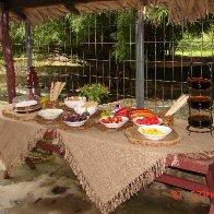 Mesa de frutas y Chocolate