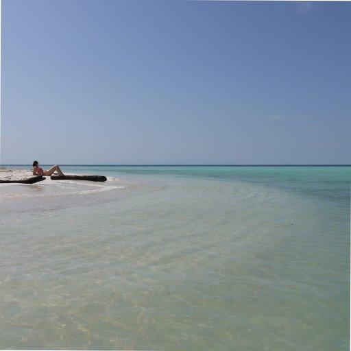 Belize2010-01RelaxingOnWestSnakeCaye