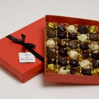 30piece red Mamor Chocolate box
