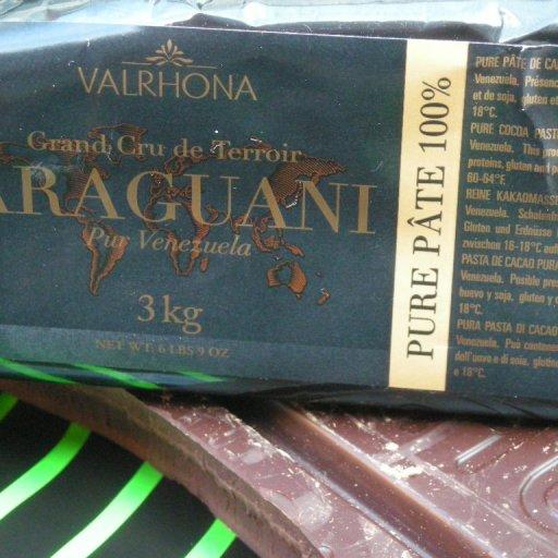 Valrhona: 100% cocoa, single origin, dark chocolate bar